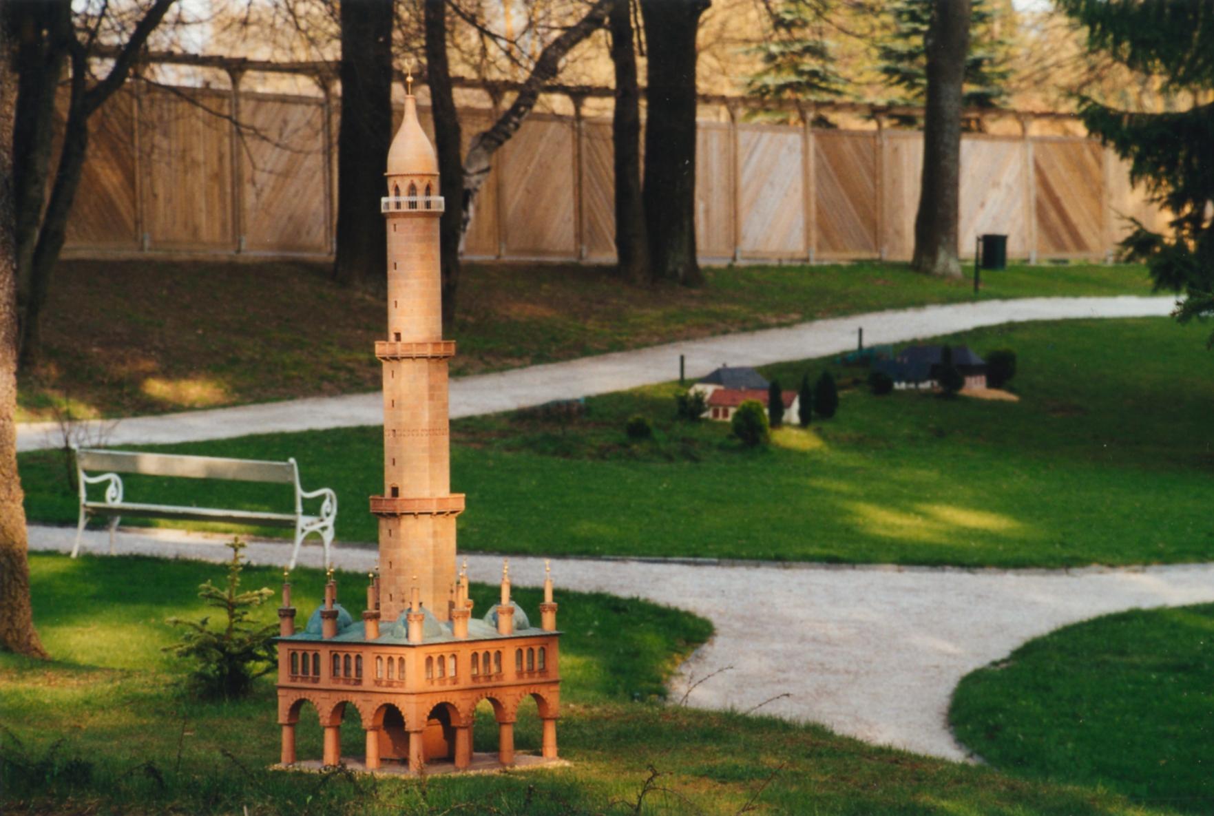 Minarett in Lednice (Modell im Park Boheminium)