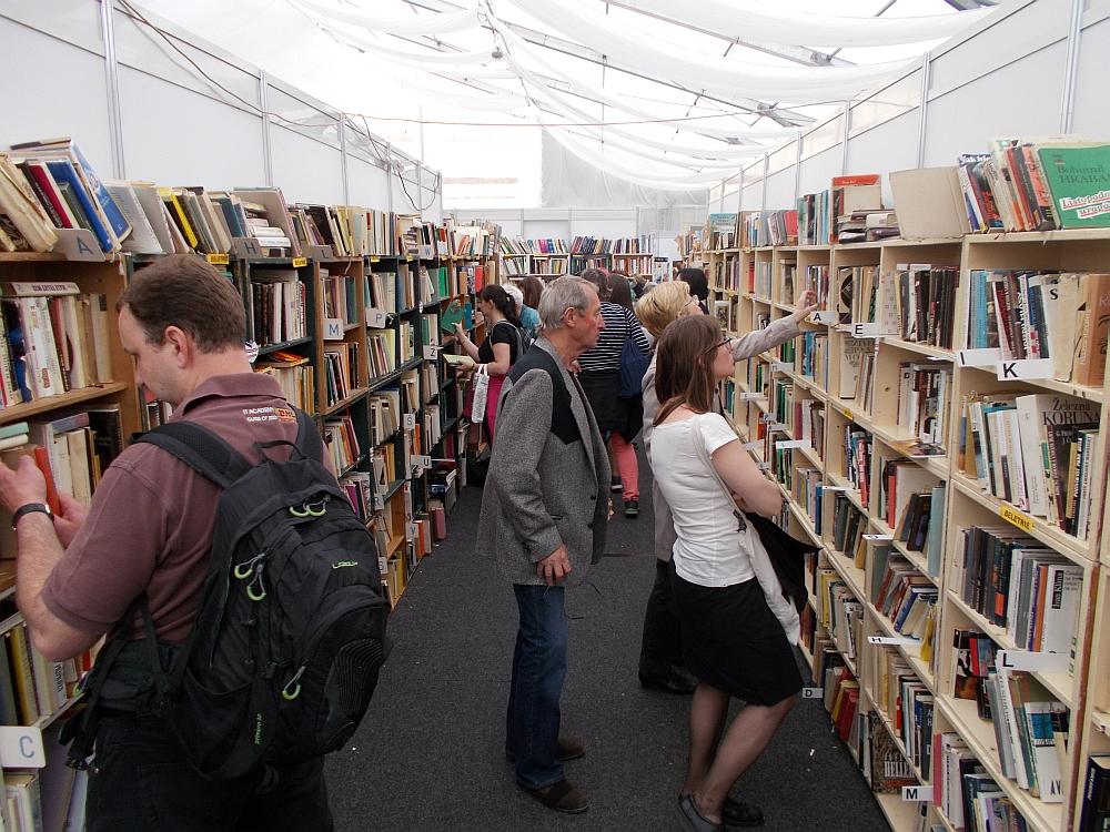 Die Second-Hand-Abteilung mit Shop für Bücher ab 50 Kronen aufwärts.