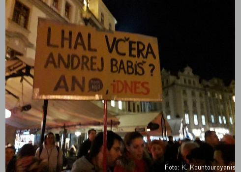 Der Protest richtete sich auch gegen die politische Nähe zwischen den tschechischen Medien und der Partei ANO 2011.