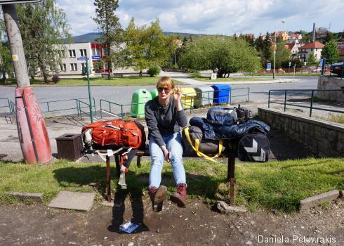 Ania inmitten unseres Reisegepäcks