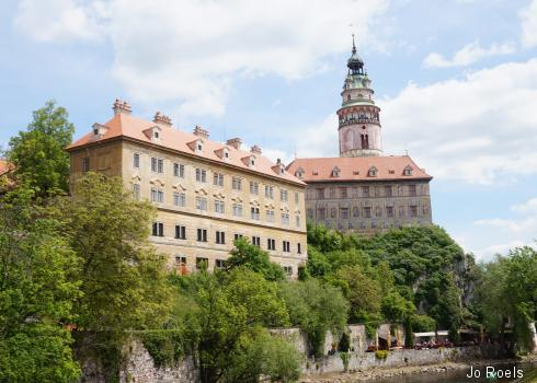 Moldau und Teil des Schlossgeländes