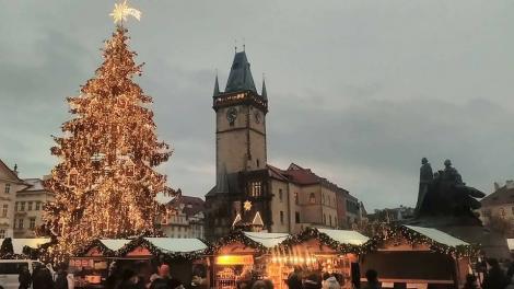Wo Ist Der Größte Weihnachtsmarkt.Weihnachtsmarkt Auf Dem Altstädter Ring In Prag Prag Aktuell