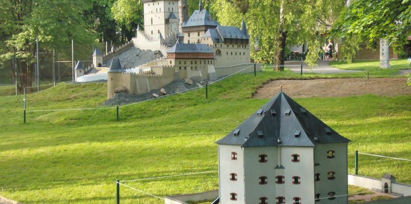 Schloss Stern (Modell im Park Boheminium)